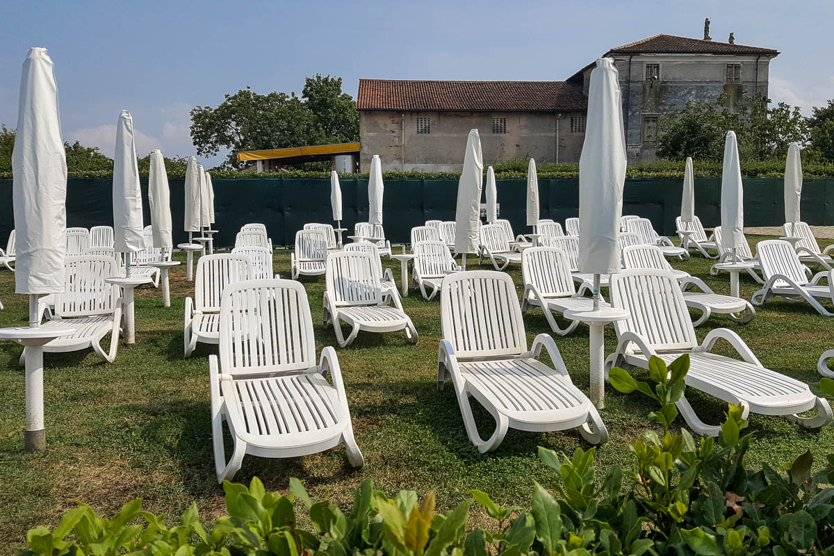 The grassy seating area - Hotel Viest, Vicenza, Italy - www.italybyus.com