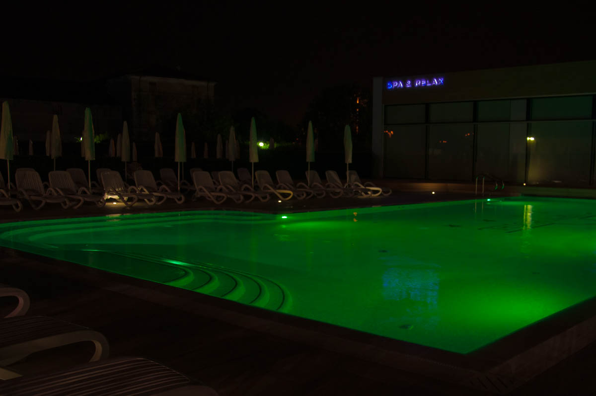 The swimming pool at night - Hotel Viest, Vicenza, Italy - www.italybyus.com