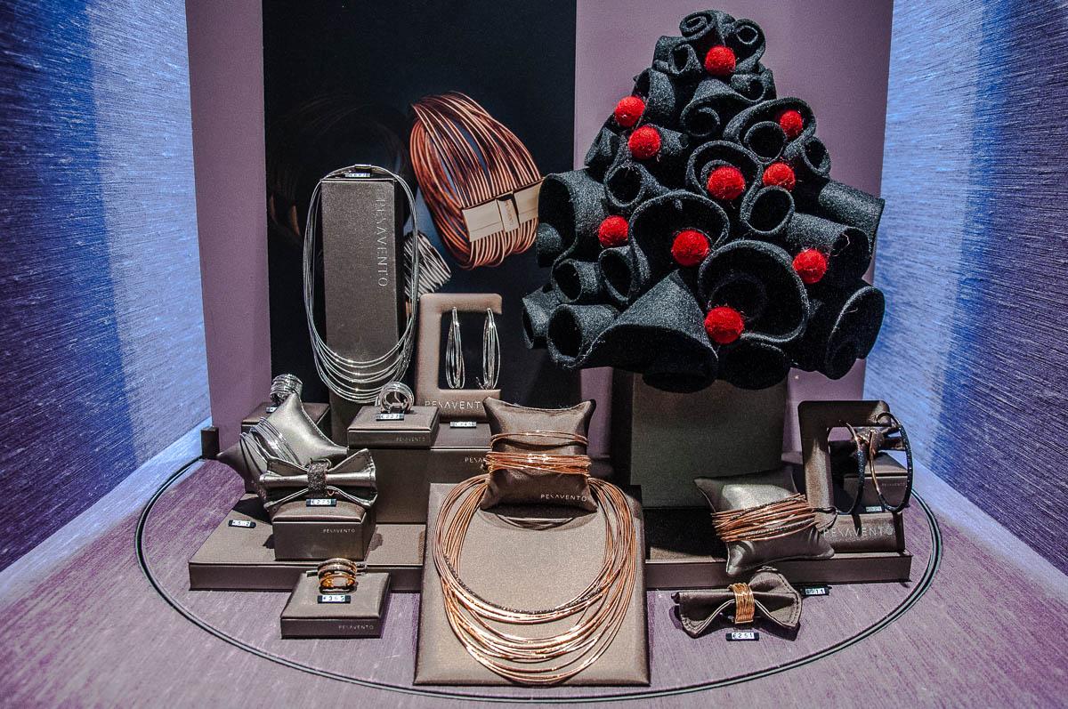 Jewelry by Pesavento - Soprana - Vicenza, Italy - www.italybyus.com