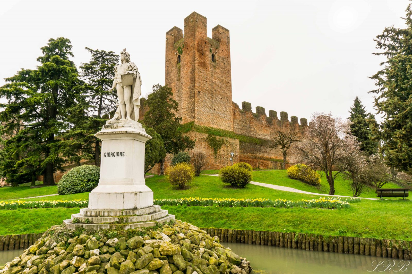 Statue of the founder in front of Castelfranco Veneto