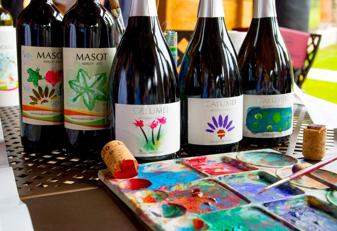 Winery tour with lunch and wine label painting