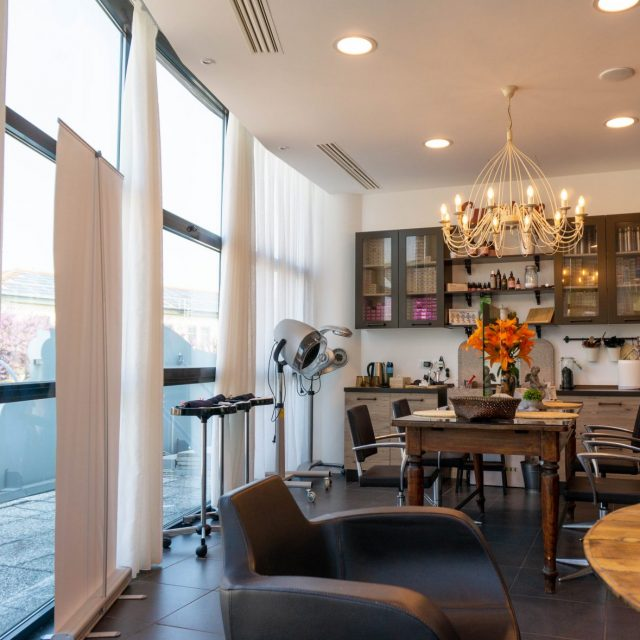 L'Ideale Parrucchiera and Estetica Crisalide: A Beauty, Wellness, & Salon Experience