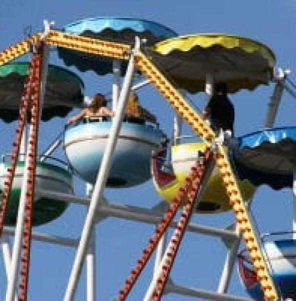"""""""Festa dei Oto"""" Amusement Park at Vicenza's Campo Marzo Park"""